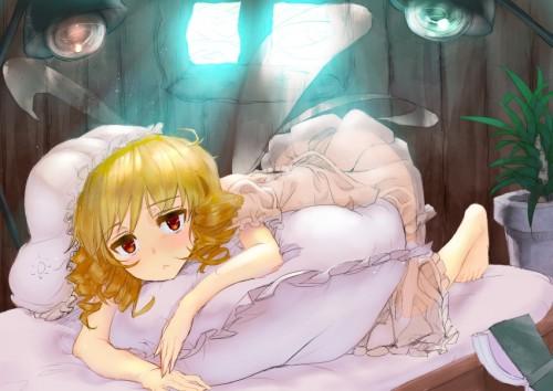 二次 萌え 寝てる ベッド ソファー パジャマ エロ 下着 パンツ キャミソール 昼寝 無防備に寝てる 服がはだけてる 寝そべり 寝そべる うつ伏せ 誘惑 腹ばい 誘ってる 振り向き 抱き枕 二次エロ画像 nesoberi2015050836